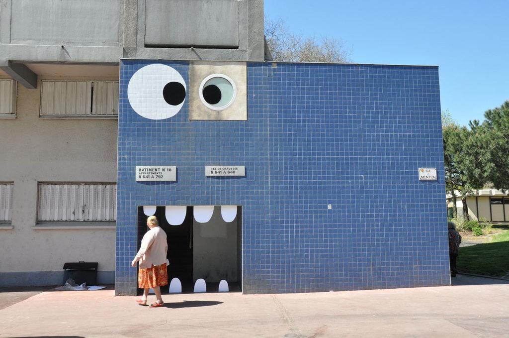 sandrine estrade boulet - immeuble-bleu-empalot-sandrine-boulet--jexplose